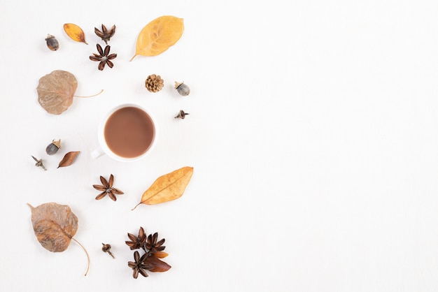 Autumn composition on white background. flat lay, top view copy space. Premium Photo