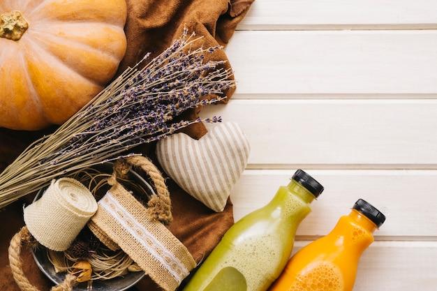 Autumn decoration with smoothies Free Photo