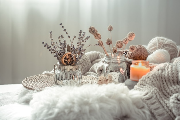 Autumn still life decorazioni per la casa in una casa accogliente. Foto Gratuite