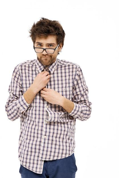 Неуклюжий неуклюжий ботаник, застегнутый рубашкой Бесплатные Фотографии