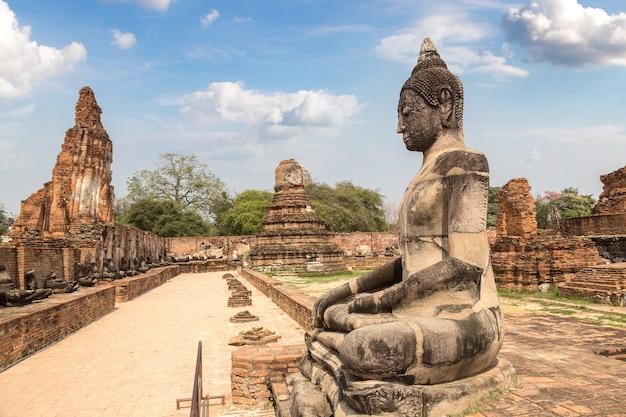 タイ、アユタヤのアユタヤ歴史公園 Premium写真