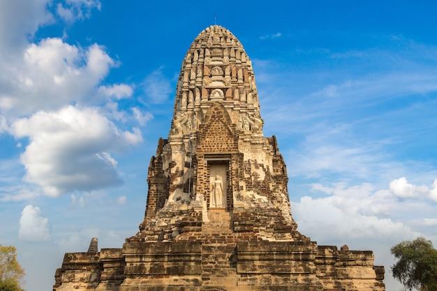 Исторический парк аюттхая в аюттхая, таиланд Premium Фотографии