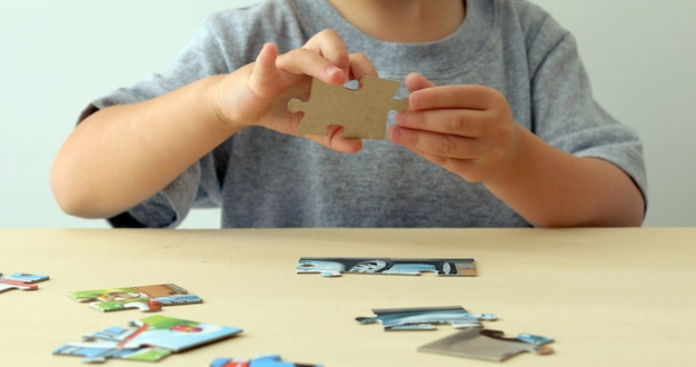 Пазл baby hand fold Premium Фотографии
