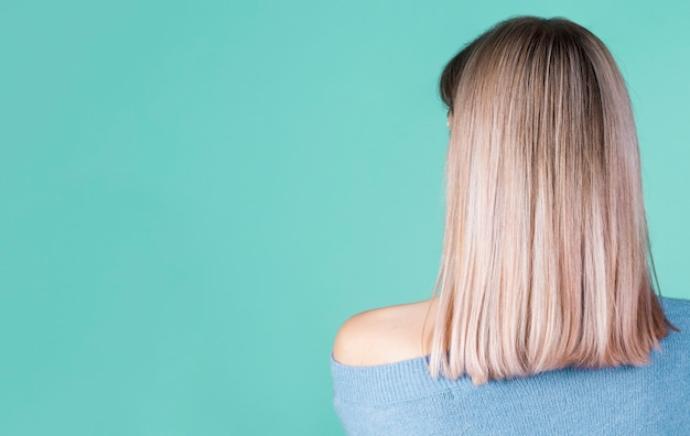 Back view hair with copy space Free Photo