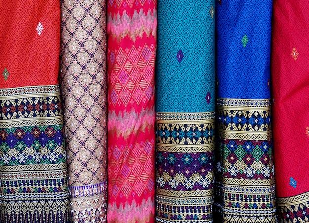 Тайская шелковая ткань строки background.closeup Premium Фотографии