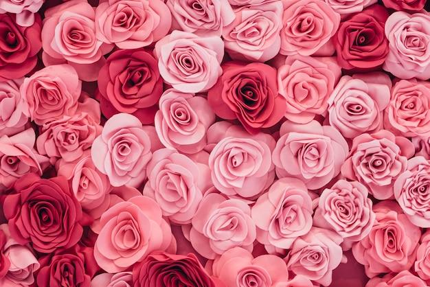 Фоновое изображение из розовых роз Premium Фотографии