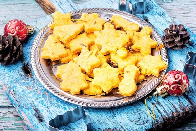 Baked christmas cookies Premium Photo