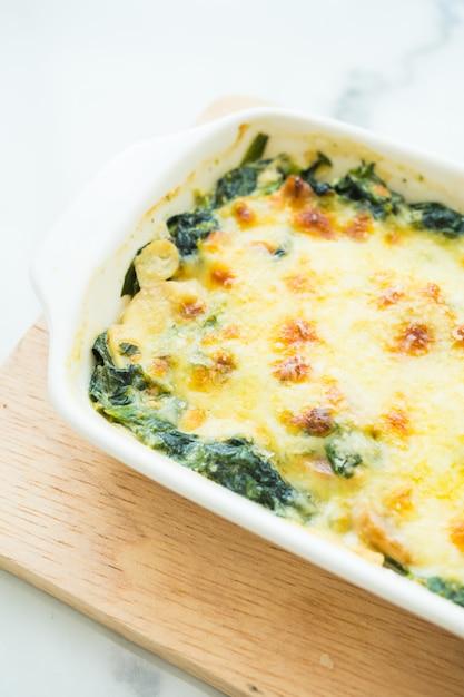 Baked spinach lasagna Free Photo