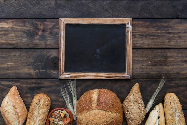 Fila di panetteria con lavagna Foto Gratuite