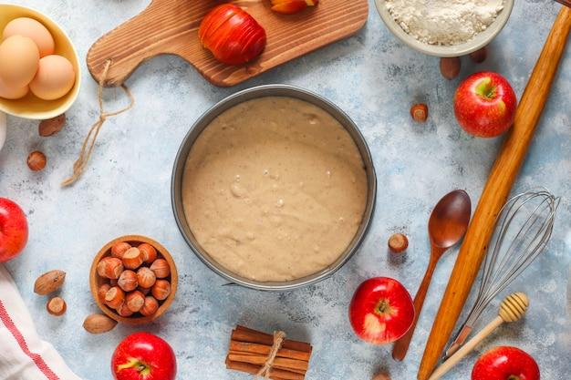 Baking concept of autumn apple pie. Free Photo