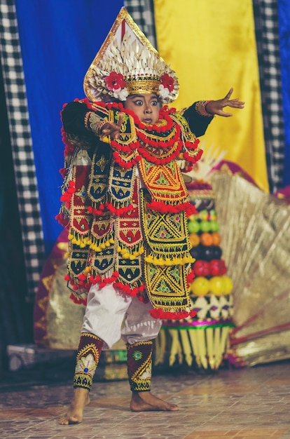Balinese Dancing Traditional Dance And Clothing Kecamatan Buleleng