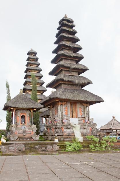 Baliness temple Premium Photo