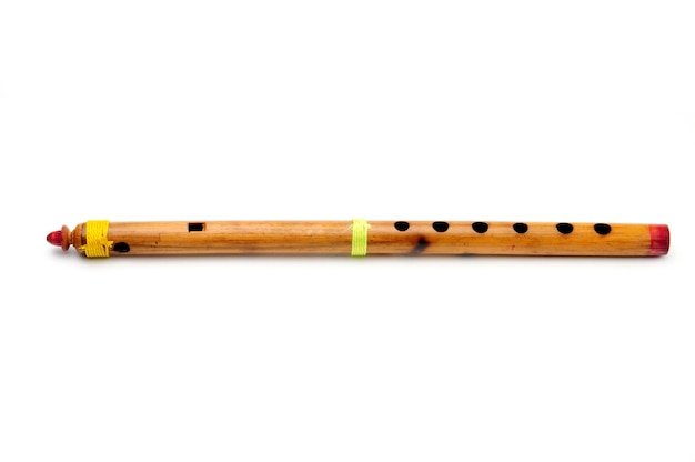 Бамбук духовой инструмент индийская флейта изолированные Premium Фотографии
