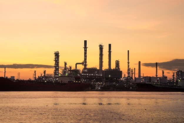 Bangchak petroleum's oil refinery, phra khanong district, bangkok, thailand Premium Photo