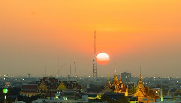 Bangkok city in sunset. Premium Photo