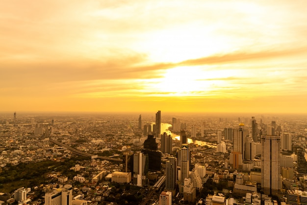 Bangkok cityscape with beautiful exterior of building and architecturein in thailand Premium Photo