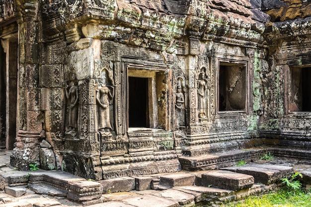 Храм бантей кдей в ангкор-ват в сием рипе Premium Фотографии