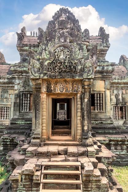 Храм бантей самре в ангкор-ват в сием рипе, камбоджа Premium Фотографии