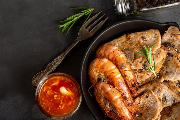 豚肉とエビのグリルbar-bq recive Premium写真