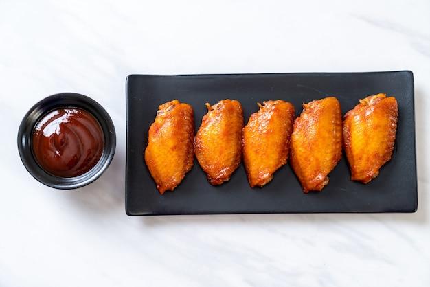Barbecue chicken wings Premium Photo