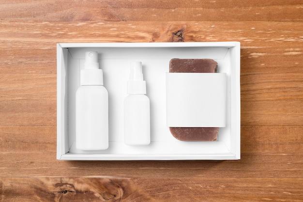 Инструменты для ухода за волосами в парикмахерской, спрей и мыло Бесплатные Фотографии