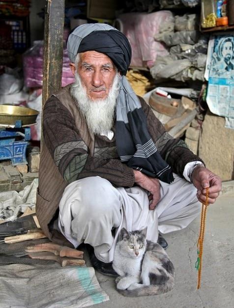 Bart男ターバンベドウィン古いアフガニスタンのアフガニスタン 無料写真