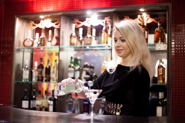 Работа бармен девушка работа по вемкам в черемхово