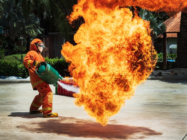 Basic fire fighting and evacuation fire drill training Premium Photo
