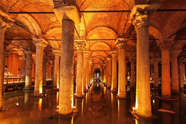 The basilica cistern Premium Photo