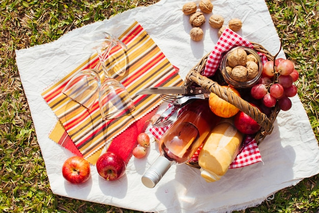 Basket full of goodies ready for picnic Free Photo