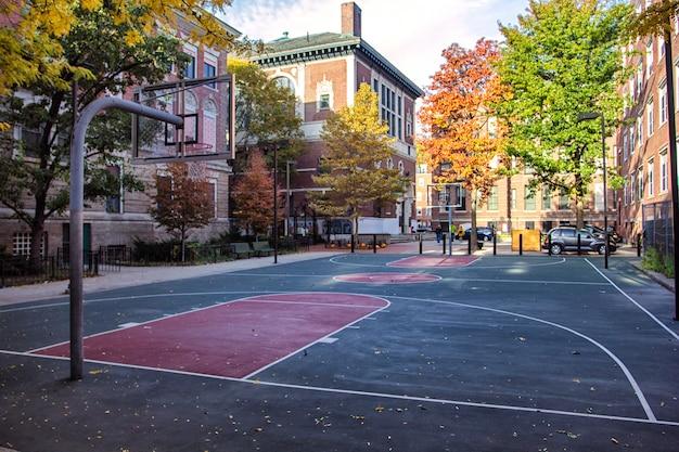 ノースエンド、ボストン、米国のバスケットボールコート Premium写真