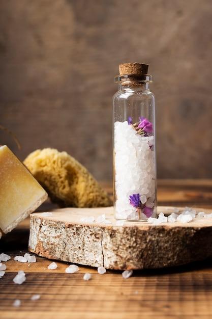 Bath arrangement with bottle of salt Free Photo