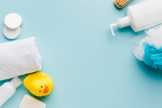 Bath cleaning products with copy space Free Photo