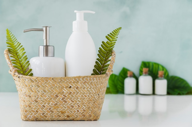Bath containers in basket Free Photo