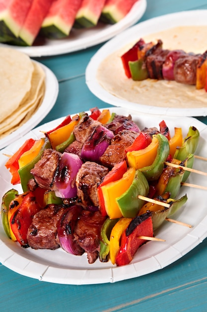 Bbq skewer with beef and vegetables Free Photo