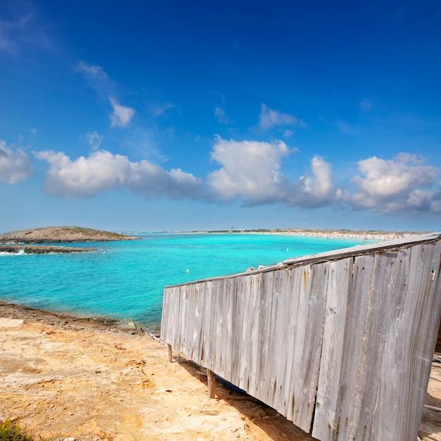 Beach illetas illetes in formentera near ibiza Premium Photo