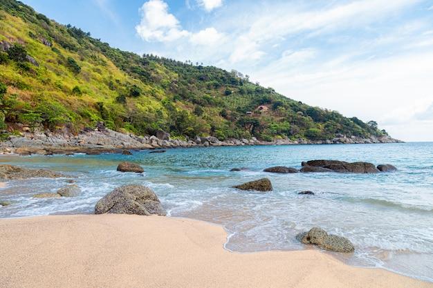 Beaches in phuket, thailand Premium Photo