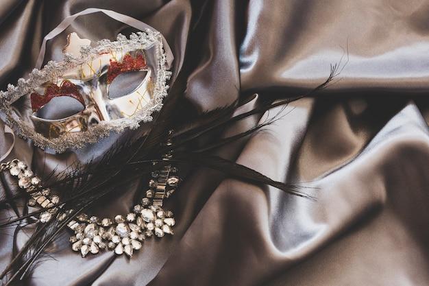 絹の仮装のための美しいアクセサリー 無料写真