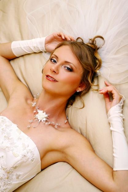 Beautiful adult woman on wedding Free Photo