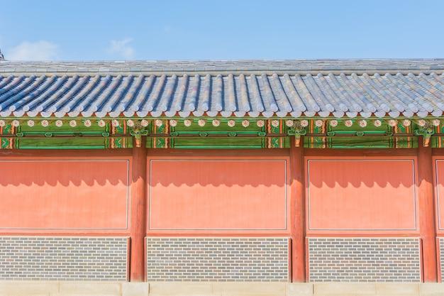 서울에서 창덕궁의 아름답고 오래된 건축물 무료 사진