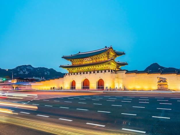 Красивое здание архитектуры дворца кёнбоккун Бесплатные Фотографии