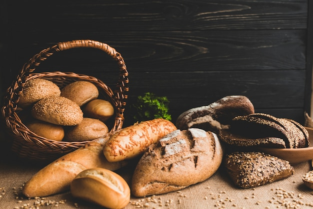 Beautiful arrangement of fresh bread assortment Free Photo