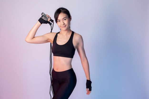 Beautiful asian fitnesses woman Premium Photo