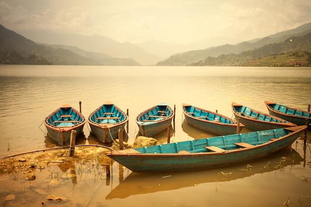 Красивый азиатский пейзаж Premium Фотографии