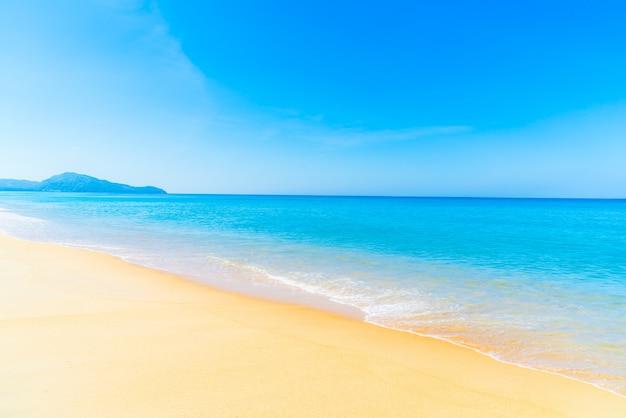 Beautiful beach and sea Free Photo