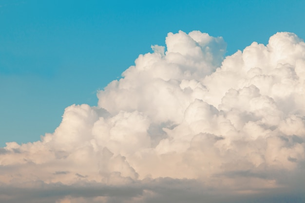 Beautiful blue sky with white clouds Free Photo