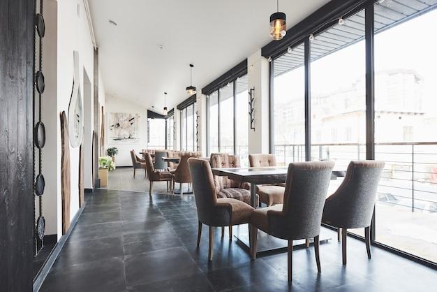 Beautiful brand new european restaurant in downtown Premium Photo