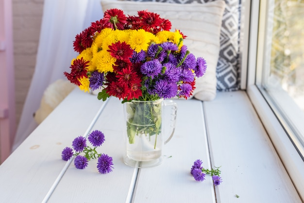 Beautiful bright colorful bouquet Premium Photo