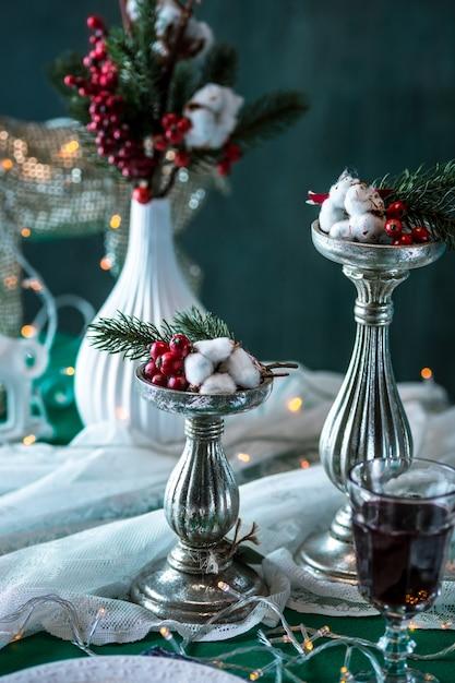 装飾の美しいクリスマステーブルの設定 無料写真