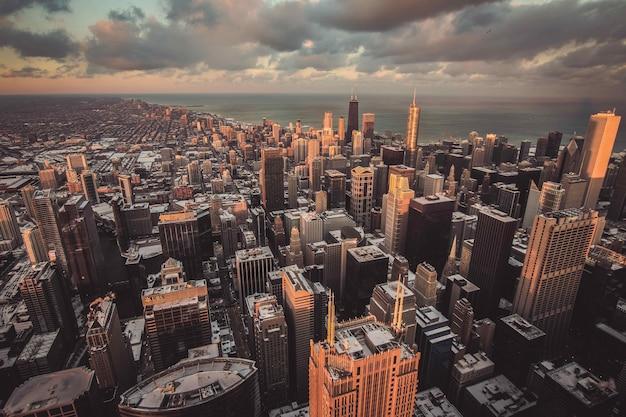 上から撮影した都市の美しい街並み 無料写真